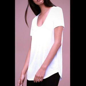 Aritzia tee white